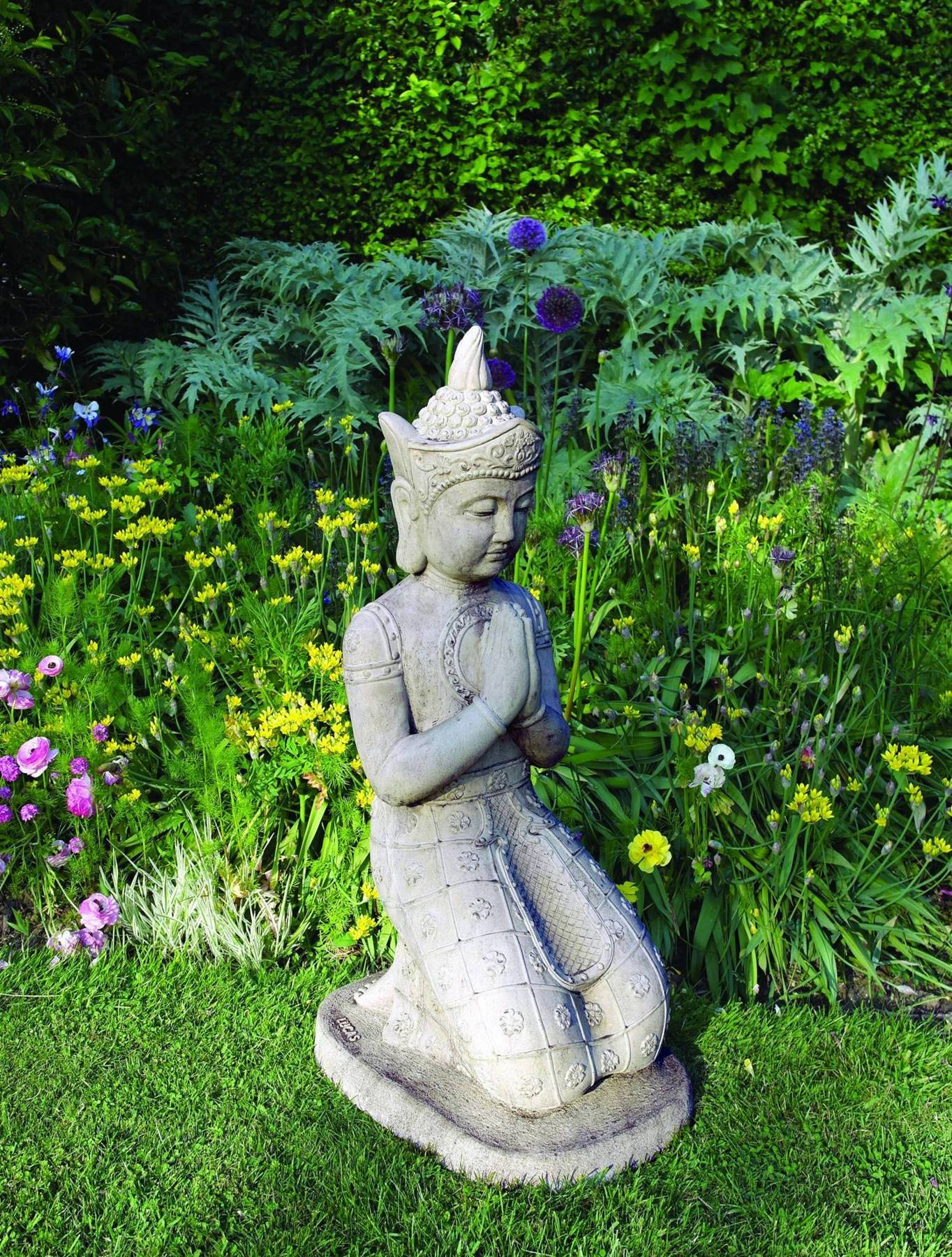 Kneeling Buddha Statue Garden Ornamnents
