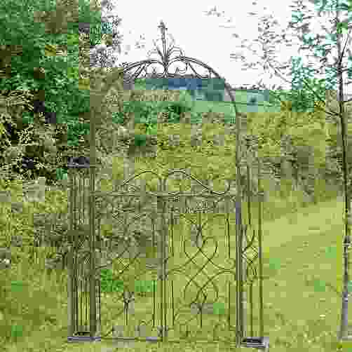 Heritage Metal Garden Arch with Gates