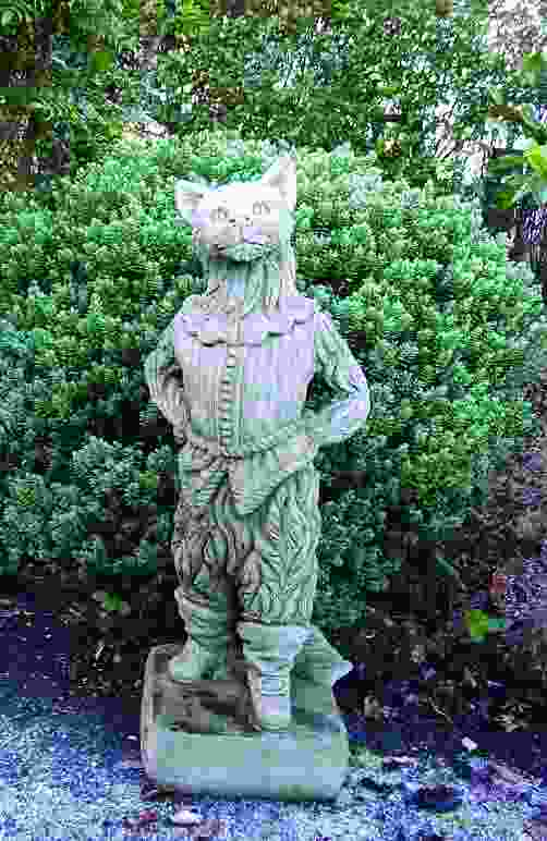 Dick Whittingtons Cat Statue